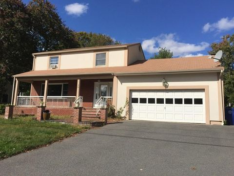 Photo of 36 Chestnut Ave, Braintree, MA 02184