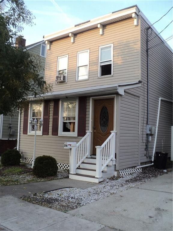216 Washington St, Perth Amboy, NJ 08861