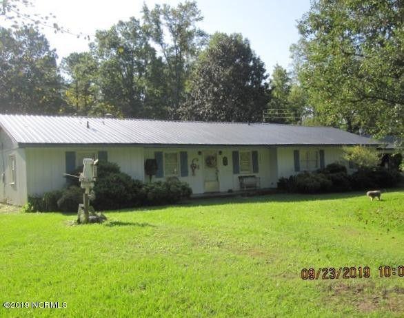1159 Brooks Quinn Rd, Rose Hill, NC 28458