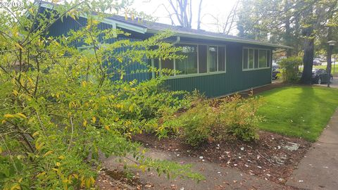 Photo of 2195 W 18th Ave, Eugene, OR 97402