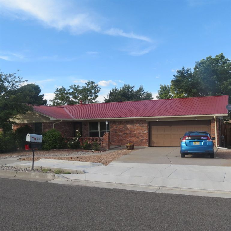 710 Jeffrey Pl Los Alamos, NM 87547
