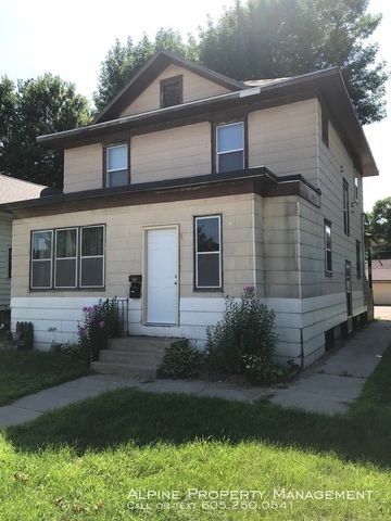 Photo of 235 N Cliff Ave, Sioux Falls, SD 57103