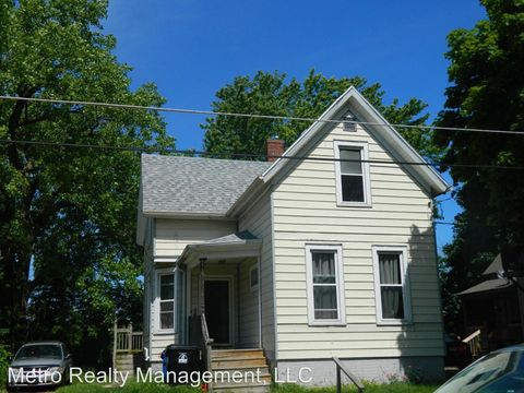 Photo of 408 Cliff Ave, Racine, WI 53404