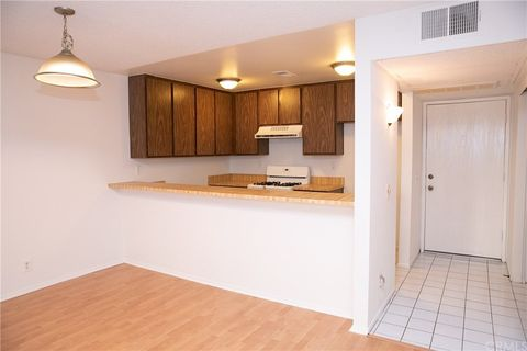 Photo of 164 Lemon Grv Unit 232, Irvine, CA 92618