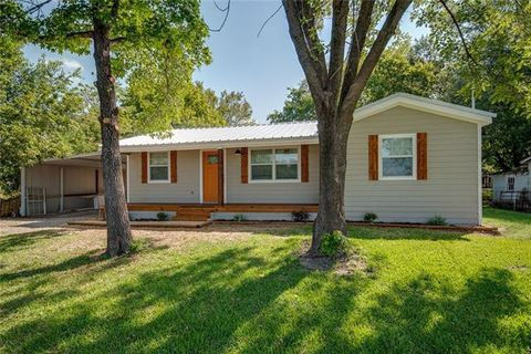 2506 Gilmer St, Caddo Mills, TX 75135
