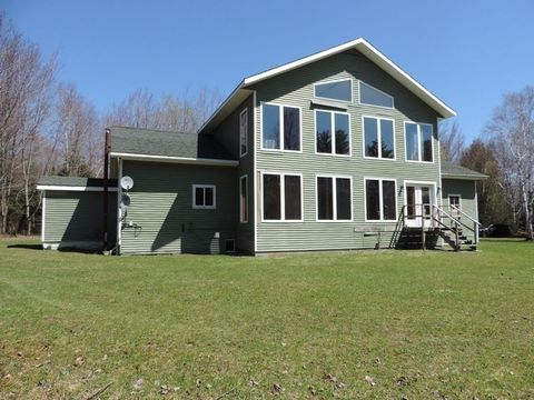 Photo of 646 Cheney Rd, Lowell, VT 05847