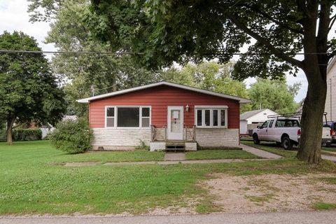 208 West St, Kingston, IL 60145