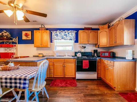 Photo of 36 Governors Gate Ln Unit 2, Linthicum Heights, MD 21090