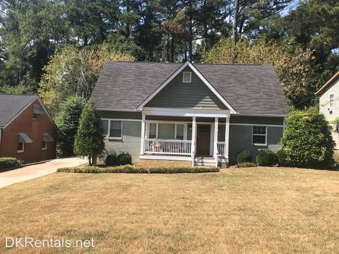 Photo of 1498 Deerwood Dr, Decatur, GA 30030