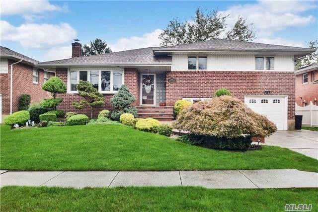 318 Oxford Blvd S, Garden City, NY 11530 - realtor.com®