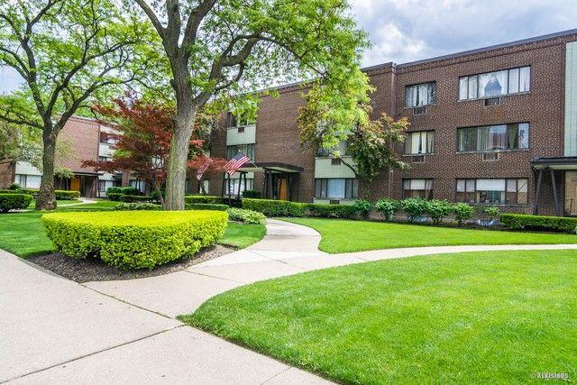 3445 W Bryn Mawr Ave Unit 2W Chicago, IL 60659