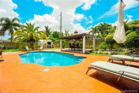 Photo of 4860 Sw 12th Ct, Fort Lauderdale, FL 33317
