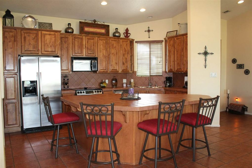 6152 e 24th pl yuma az 85365 for Kitchen cabinets yuma az