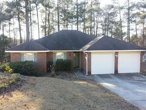 2985 Trotters Pointe Dr, Snellville, GA 30039