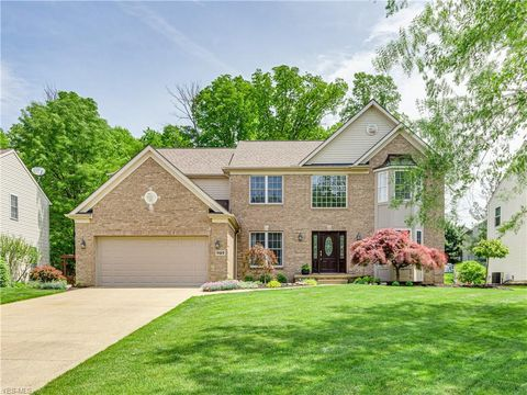 Photo of 707 Brentwood Blvd, Copley, OH 44321