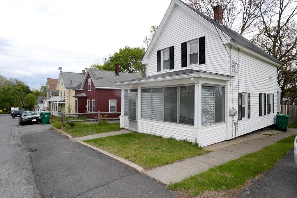143 Willow St, Clinton, MA 01510