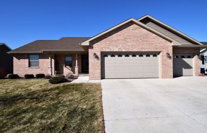 Superbe 3407 N Wright Rd, Janesville, WI 53546