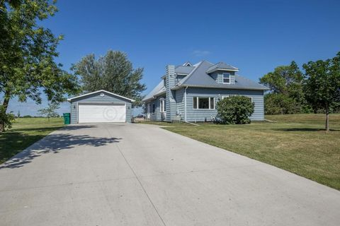 34 And 32 Meridian Rd, Mapleton, ND 58059