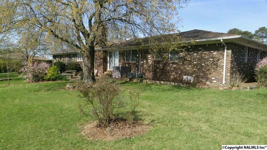 424 Martling Rd, Albertville, AL 35951