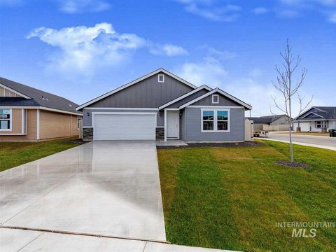 Photo of 730 Sw Inby St, Mountain Home, ID 83647