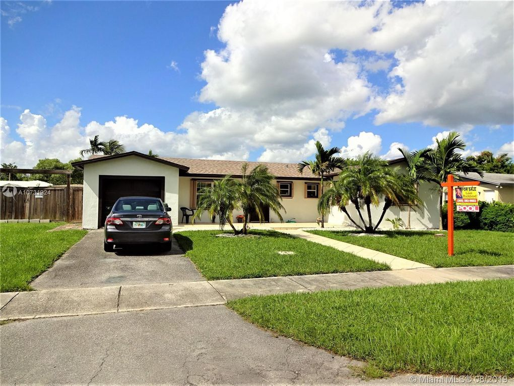 385 NW 17th Ct Homestead, FL 33030