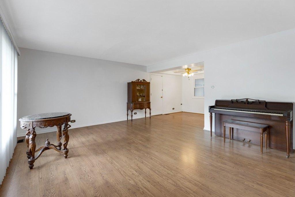 209 Wellington Ave Elk Grove Village, Wellington Laminate Flooring Big Lots
