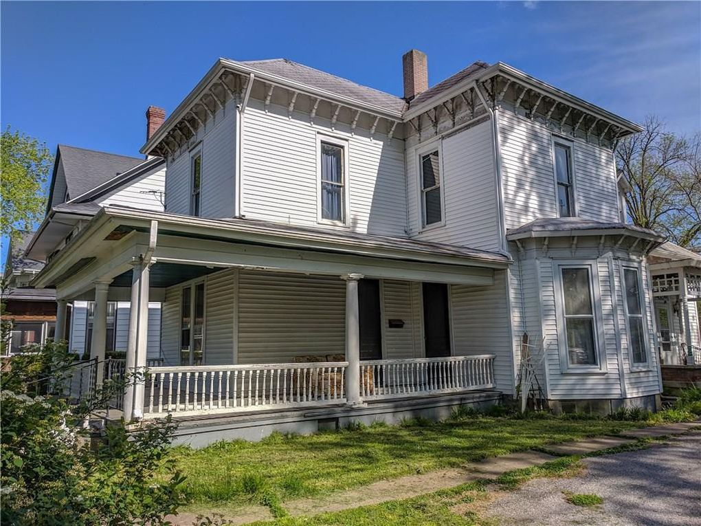 223 E 6th St, Rushville, IN 46173