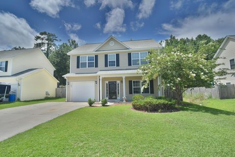 Photo of 166 Crooked Run Dr, New Bern, NC 28560