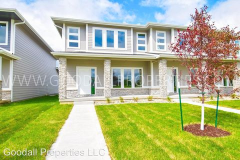 Photo of 16615 Wilden Dr, Clive, IA 50325
