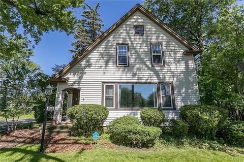 Photo of 5988 Pearl Rd, Parma Heights, OH 44130