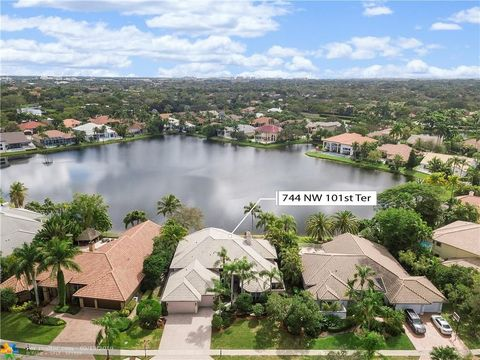 Photo of 744 Nw 101st Ter, Plantation, FL 33324
