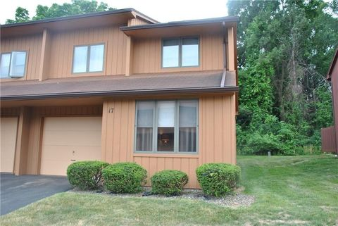 Photo of 17 Spring Hl, Fairport, NY 14450
