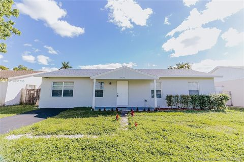 Photo of 7872 Sw 4th Pl, North Lauderdale, FL 33068
