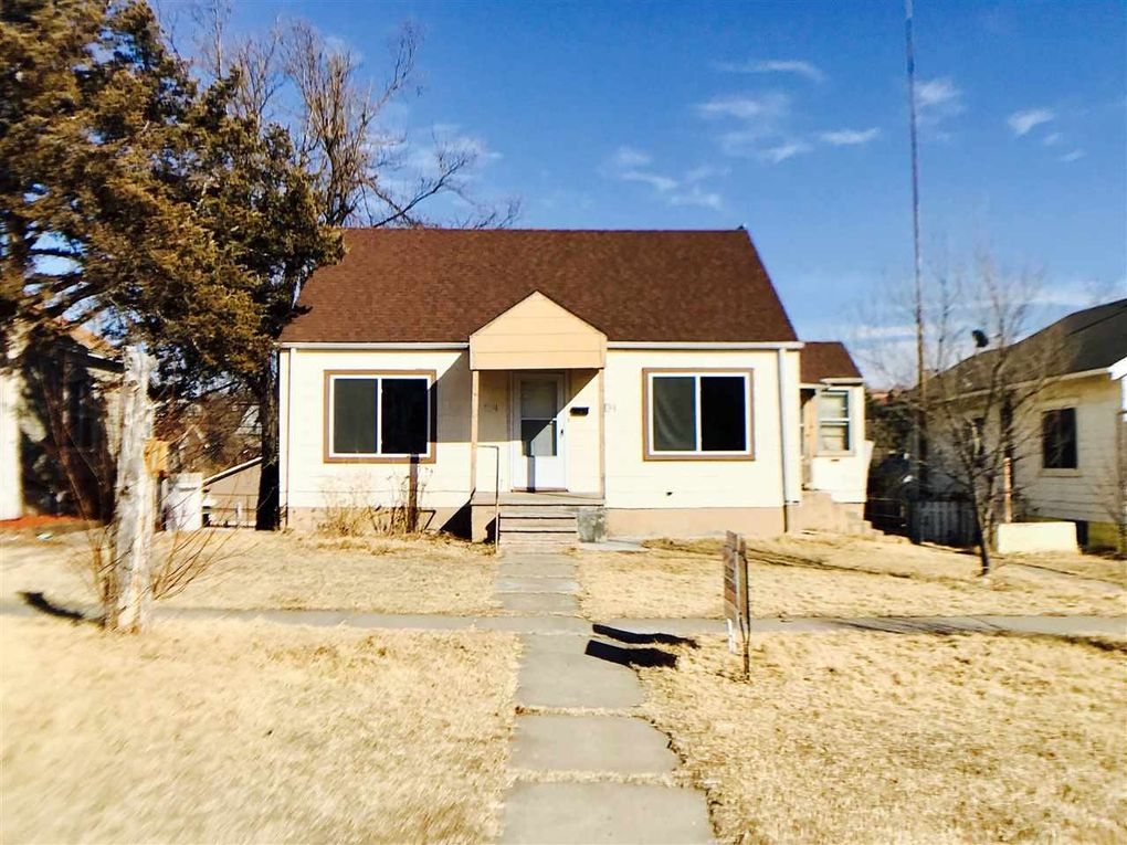 1104 4th Ave, Dodge City, KS 67801 - realtor.com®