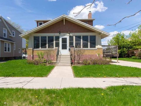 Photo of 615 St George St, Green Bay, WI 54302