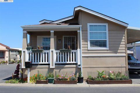 1200 W Winton Ave Spc 126, Hayward, CA 94545
