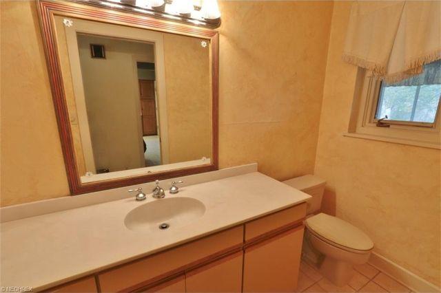 Bathroom Remodel Zanesville 3036 e highland dr, zanesville, oh 43701 - realtor®