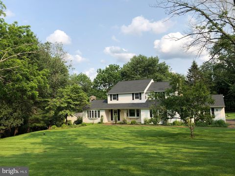 Photo of 110 Beaumont Dr, Newtown, PA 18940