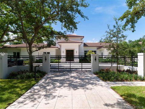 Wondrous Doral Glen Miami Fl New Homes For Sale Realtor Com Download Free Architecture Designs Intelgarnamadebymaigaardcom