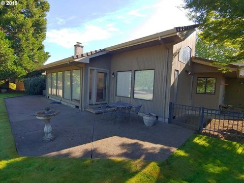 Awe Inspiring Mcminnville Or Real Estate Mcminnville Homes For Sale Interior Design Ideas Clesiryabchikinfo
