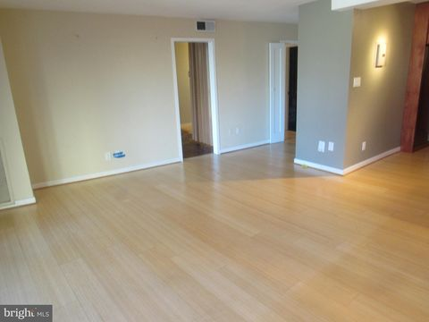 4620 N Park Ave Unit 603, Chevy Chase, MD 20815
