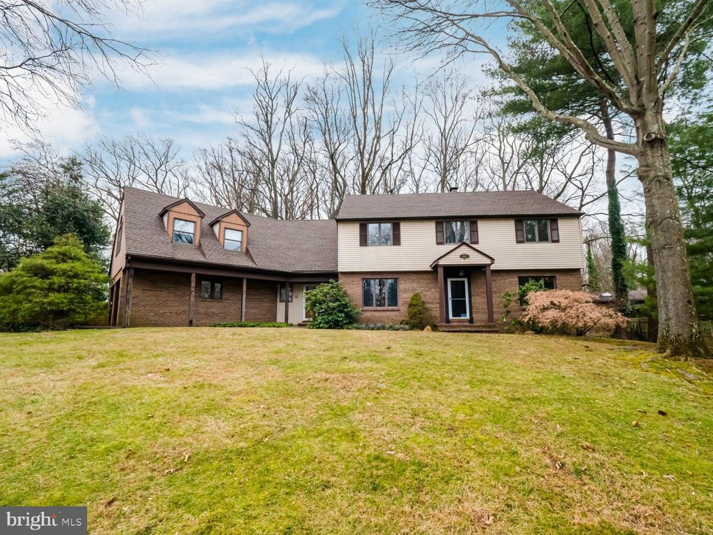 865 Dukes Dr Yardley, PA 19067