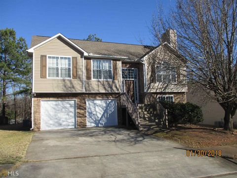 Photo of 390 Summer Hill Cir, Stockbridge, GA 30281