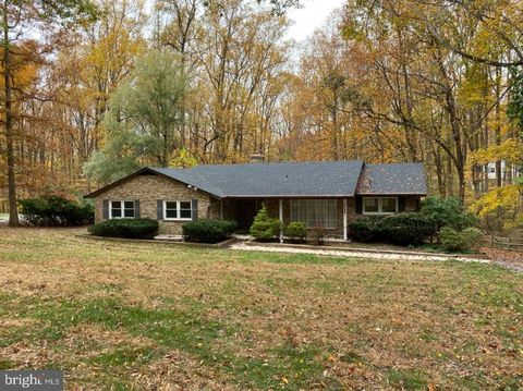 Photo of 13925 Wayside Dr, Clarksville, MD 21029