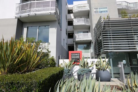 Photo of 1700 Sawtelle Blvd Apt 205, Los Angeles, CA 90025