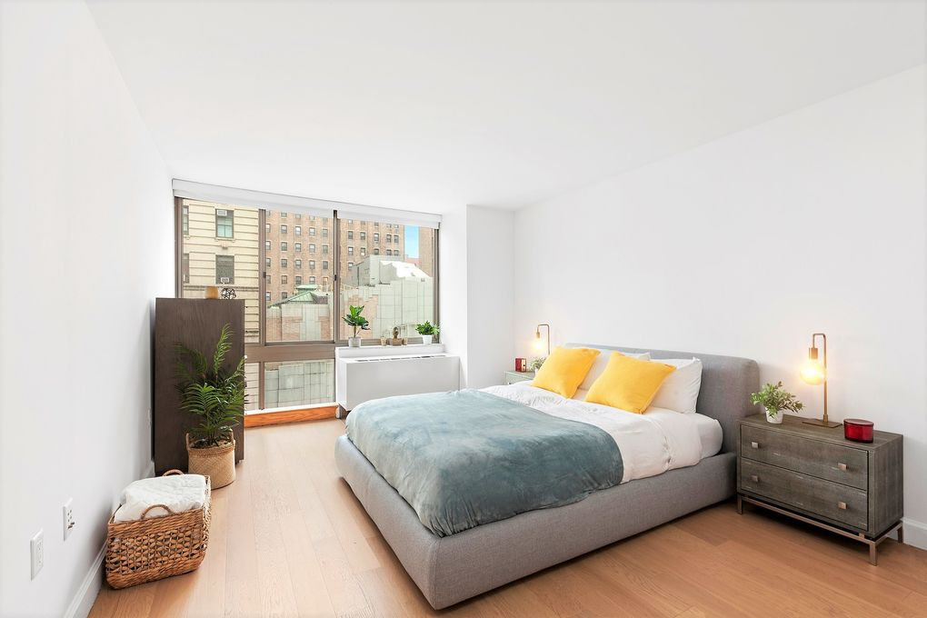 130 W 15th St Apt 8 R, Manhattan, NY 10011