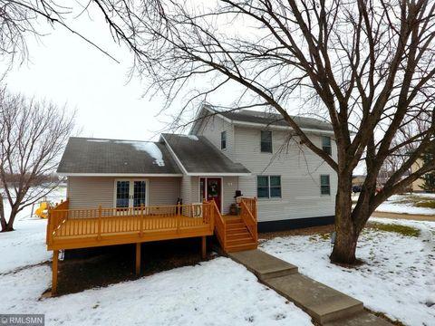 Photo of 410 E 2nd St, Janesville, MN 56048