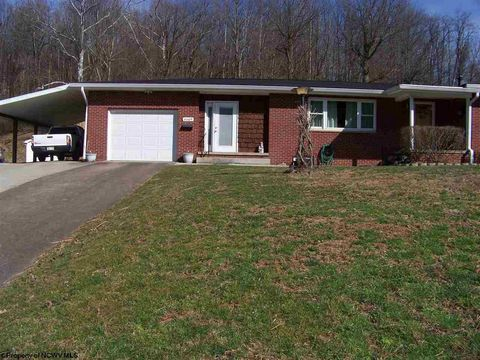 Photo of 4609 Buckhannon Pike, Mount Clare, WV 26408