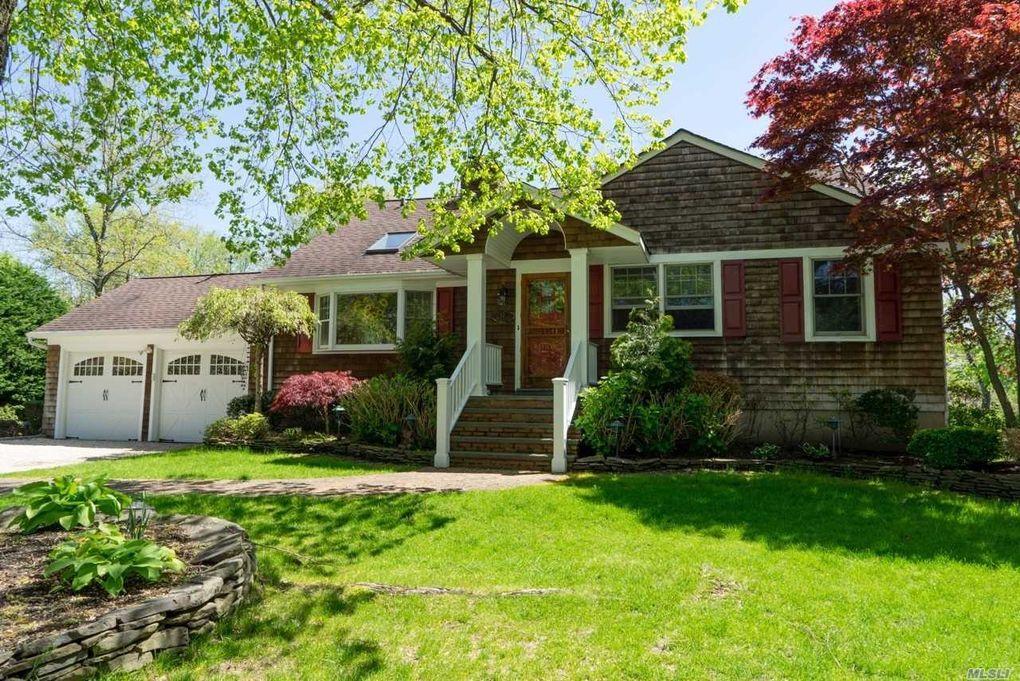 12 Mansion Dr, Glen Cove, NY 11542