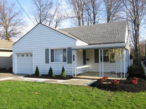 Photo of 27841 Knickerbocker Rd, Bay Village, OH 44140